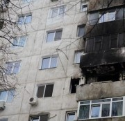 dambovita-explozie-puternica-intr-un-bloc-din-fieni-cinci-persoane-ranite-printre-care-un-copil-95884 (1)