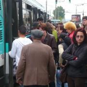 aglomeratie_la_autobuz-is_bd889705da