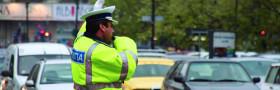 un-politist-a-fost-tarat-zeci-de-metri-de-o-masina-care-nu-a-oprit-la-semnalul-sau-91360-1